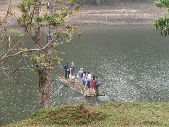 ABNYWNE-bamboo-raft